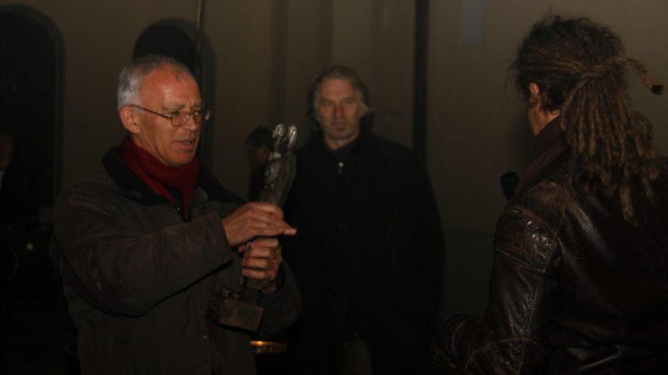 Peter Cusack and  Miloš Vojtěchovský (at the background) are receiving the Award of the Respekt Magazíne from Jan H. Vitvar. copyrihgt: Eva Koncalova, Zipp - deutsch-tschechische Kulturprojekte, eine Initiative der Kulturstfitung des Bundes, 2009