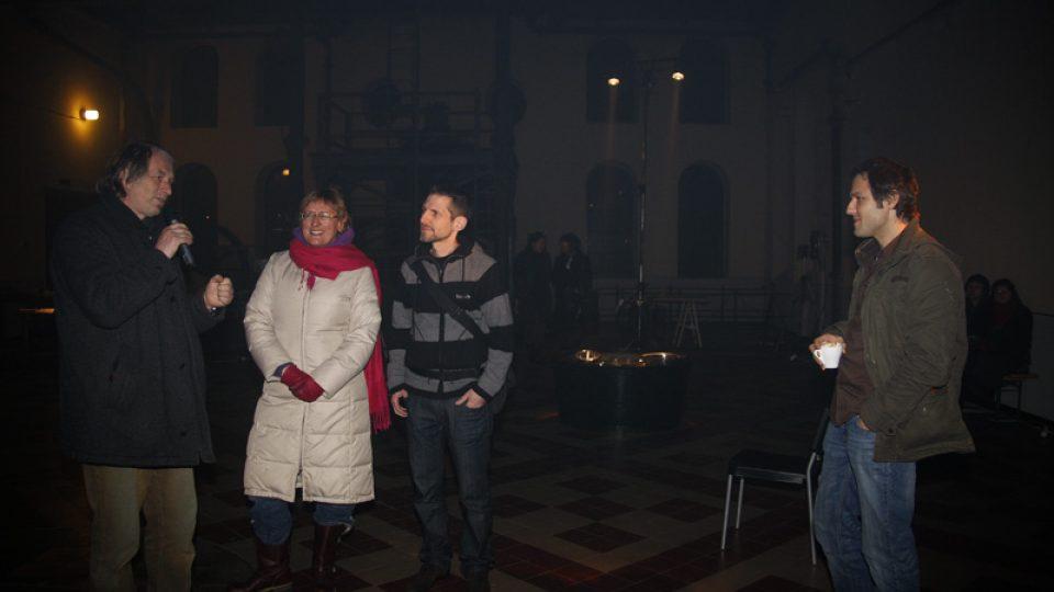 Curators of the radio project radio d-cz Gaby Hartel and Frank Kaspar. copyrihgt: Eva Koncalova, Zipp - deutsch-tschechische Kulturprojekte, eine Initiative der Kulturstfitung des Bundes, 2009