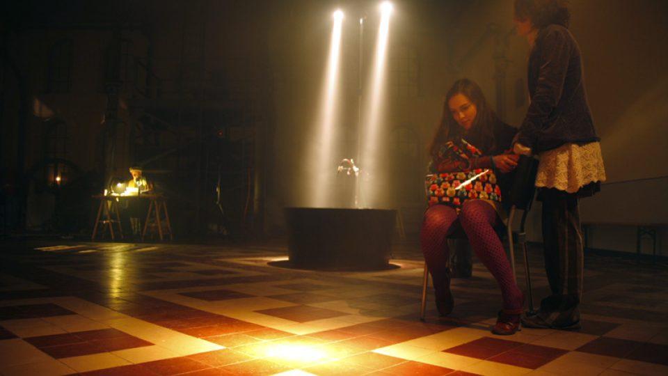 During the live broadcasting. copyrihgt: Eva Koncalova, Zipp - deutsch-tschechische Kulturprojekte, eine Initiative der Kulturstfitung des Bundes, 2009